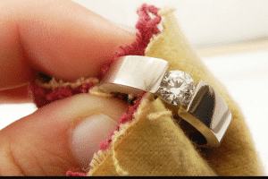 how to polish jewelry